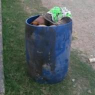 【グロ画像】においのする缶かんの中覗いたら死体入ってた・・・ ※閲覧注意