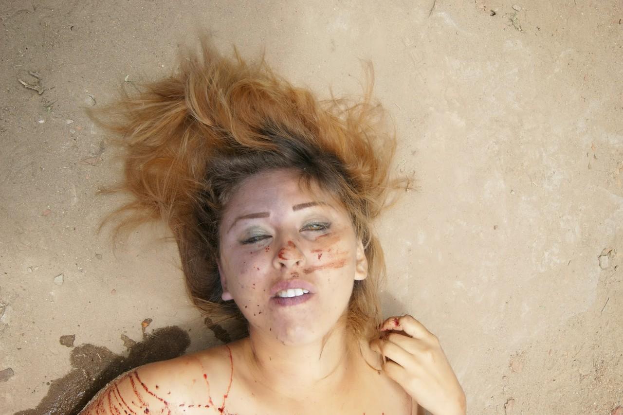 【レ●プ 死体】かわいいこの娘が乱暴されて変わり果てた姿で発見された時の現場写真 ※グロ画像