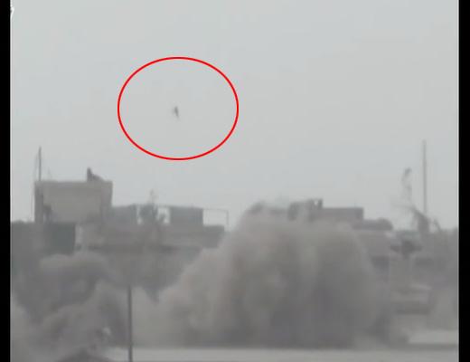 【自爆テロ】爆発に捲き込まれた人間が飛んだ距離20メートル ちな垂直 ※動画