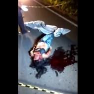 【グロ動画】道路で顔面擦りおろししてしまった女の子の顔が完全崩壊して見れない・・・