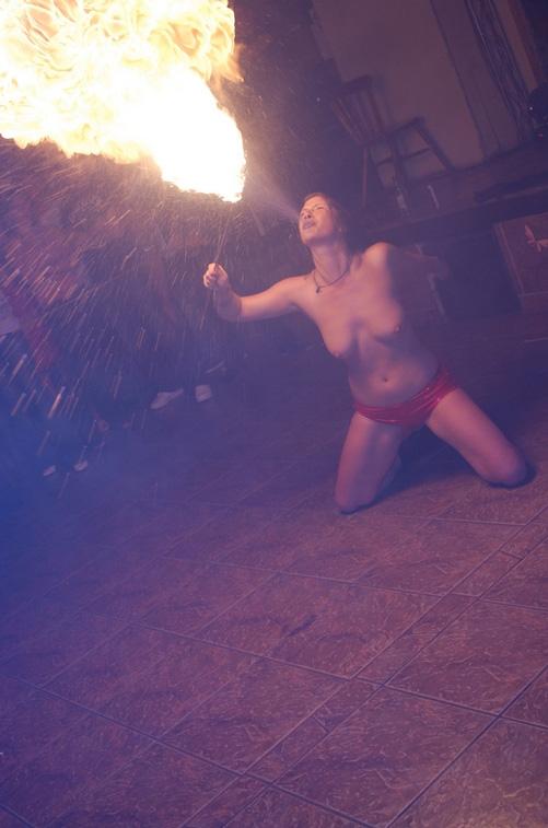【グロ画像】エッチなナイトクラブで夜な夜な火遊びしてたらクラブ出火で150人焼け死んだ現場・・・ ※閲覧注意