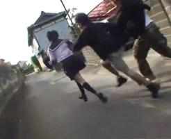 【JK レ●プ】下校途中の女子校生をスタンガンで脅され犯される事案発生 ※無修正、動画