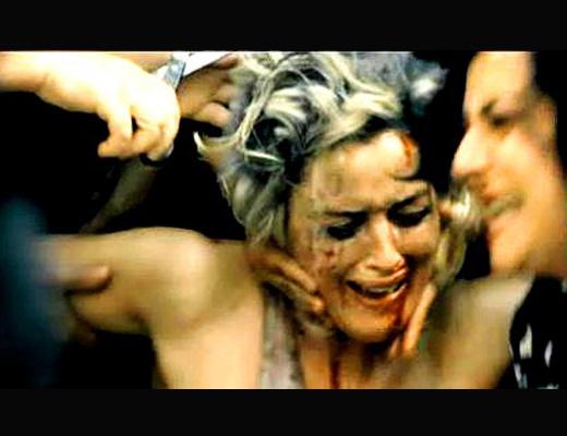 【集団リンチ】はぁ?女やからって容赦せいへんぞ!女泥棒のパンツを引きちぎってしばき全裸徘徊させる土人国家の日常風景www