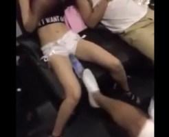 【おもしろ動画】めっちゃイイ体してる女友達のマ●コにペットボトル挿したらマジギレされた件ww