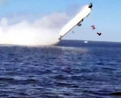 【閲覧注意】モーターボートレースで人間が弾け飛んで無事死亡・・・