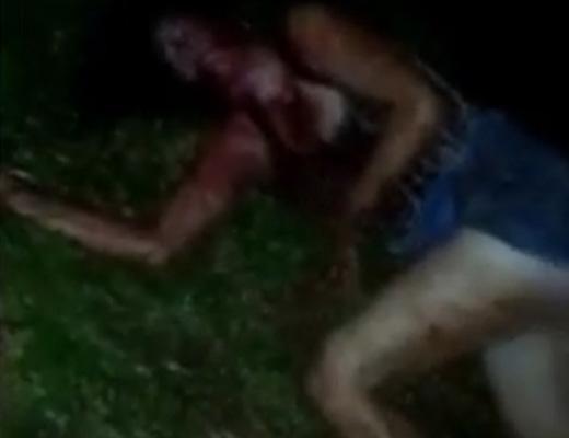 【グロ動画】女の首を刺して死ぬまで観察会するけど見に来る???