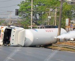 【閲覧注意】石油輸送車が転覆したら中の人はこんな感じ・・・