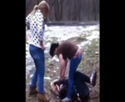 【胸糞注意】ロシア女たちの集団いじめ映像