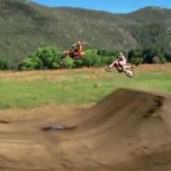 【衝撃:バイク】リアルでエキサイトバイクを見れるとは思わなかったwwwww