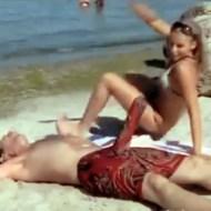【おもしろ】ドッキリ。海から救助されて隣に運ばれてきた男が・・・フル勃起?!