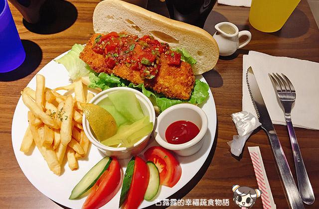 【新北】貓嘰咕,貓咪世界的蔬食餐廳|板橋