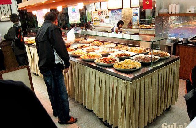 [新北] 靈泉素食|天橋下自助餐 板牆 (已歇業