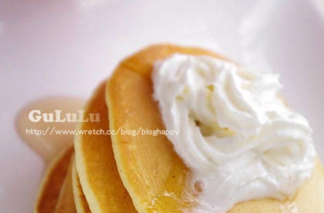 【料理大變身】鬆餅粉做點心.鮮奶油蜂糖鬆餅.下午茶點心
