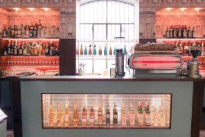 [新聞] 《歡迎來到布達佩斯大飯店》導演魏斯安德森打造真實世界特色酒吧