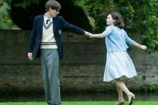 為什麼我們能夠被《愛的萬物論》裡的珍感動?因為我們對愛情都期待過,也失望過 – 我們用電影寫日記
