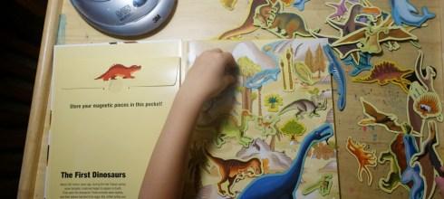 史前時代恐龍的大尺寸磁鐵書 Dinosaurs and Other Prehistoric Creatures