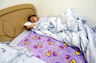 同大爺戒睡覺尿布的必備好物|台灣製,有專利:尿床用保潔墊和尿布墊