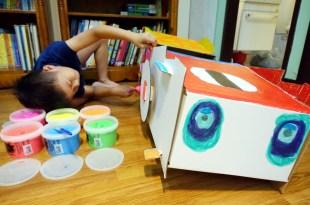 小孩好喜歡的英國Kid-Eco大型彩繪車|真的可以坐,自己畫的更有成就感