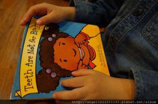 適合1歲up硬頁書●Teeth Are Not for Biting●牙齒不是用來咬人的(幼兒行為書單)