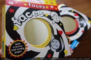 [新手媽媽書單]相見恨晚的臉布書●Baby's Very First Book: Faces●
