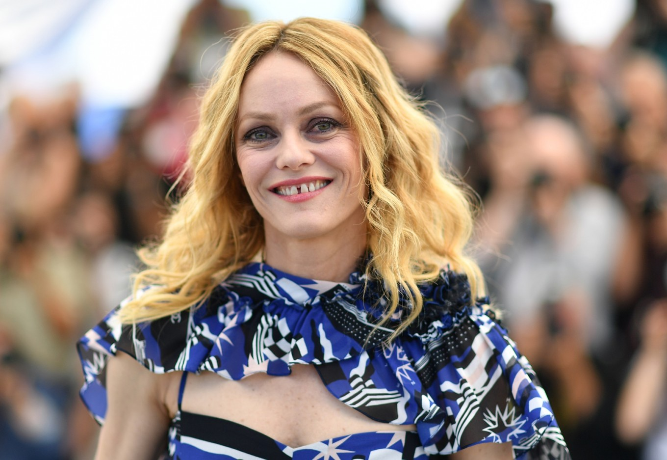 Actress Vanessa Paradis marries French director  Report     Actress Vanessa Paradis marries French director  Report