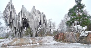 芬蘭自助、赫爾辛基景點 赫爾辛基漫步.北歐白色之都巡禮,岩石教堂的讚歎、西貝流士公園的《芬蘭頌》緬懷、俄國留下文化印記的烏斯本斯基大教堂