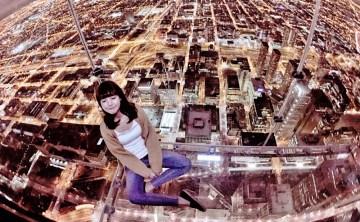 [美國芝加哥-景點推薦]登上Willis Tower 103樓 Skydeck『 觀景盒 The Ledge』隔著玻璃俯瞰芝加哥壯觀市景 ♥ 小Connie愛夢遊。遊記