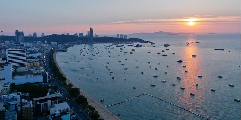 泰國芭達雅夜景酒吧 | 希爾頓酒店-高空酒吧 Hilton Pattaya。超推薦必訪擁有芭達雅最美夜景酒吧!吹著海風、品嚐著調酒、欣賞著夜景好享受。