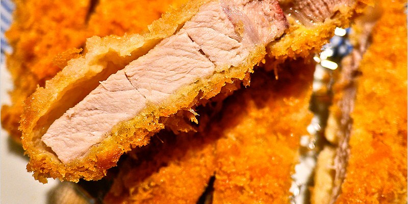 台中日式豬排 | 銀座杏子日式豬排(廣三SOGO店)-厚切里肌肉豬排外酥、內鮮嫩多汁又厚實,好好吃。