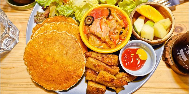 台中西區早午餐   嗝gé 咖啡寵物餐廳-餐點好吃不貴,居然還有賣狗兒的餐食耶,是個溜毛小孩的友善餐廳。