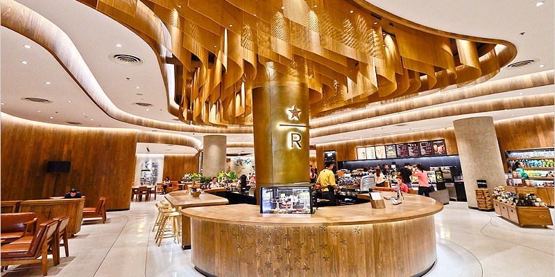 泰國曼谷咖啡廳 | 星巴克 Central World (Chit Lom站)-全球第二大星巴克,曼谷最新打卡聖地。