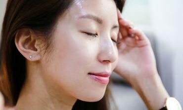 <保濕>還原健康的角質層!寶拉珍選 Omega+深層修復精華乳。