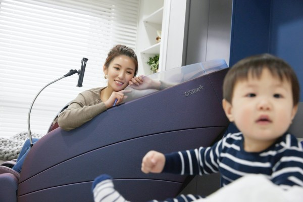 <科技> 家中最受歡迎的小三 OSIM uDream 5感養身椅。