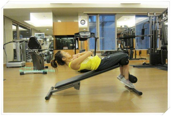 <運動>Nancy的健身教室。4個運動讓你練出腹肌。