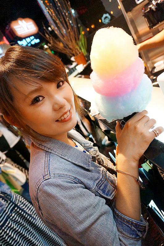 [台北信義]深深擄獲少女心!敲可愛彩虹霜淇淋~ GLAM AIR霜淇淋