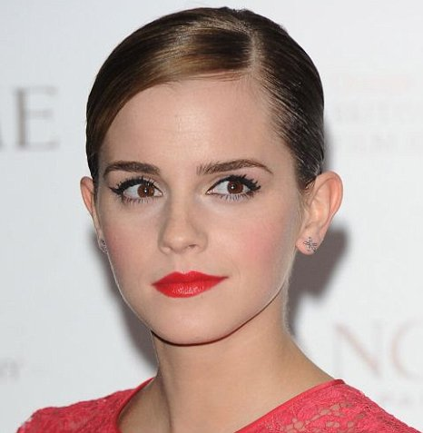 Emma Watson make-up red lips red dress