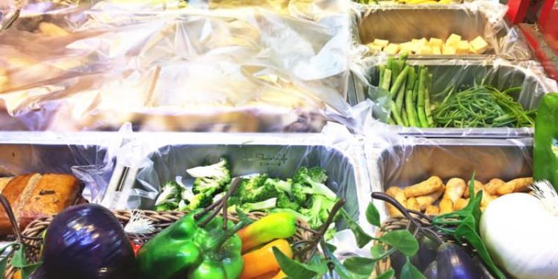 台中西區美食 雞舍鹹水雞 精誠路美食 不漂白 不染色 享受原汁原味的汁味 堅持品質 食材一律低溫保鮮