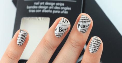 簡單到5歲小孩都會!DIY個性款文字指甲彩繪!