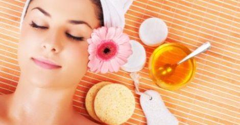 【生活】別急著吃蜂蜜!蜂蜜拿來塗臉讓妳皮膚啵啵亮!