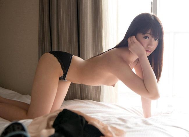 【ヌード画像】女豹のポーズで悩殺必至!性的に食べられたいw 35