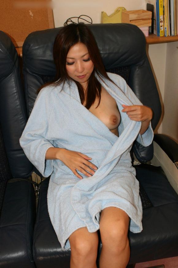 【ヌード画像】バスローブ着てる美女を押し倒したいw(30枚) 10