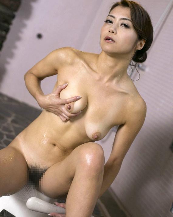 【ヌード画像】美熟女セクシー女優、北条麻妃の妖艶な裸体(30枚) 05