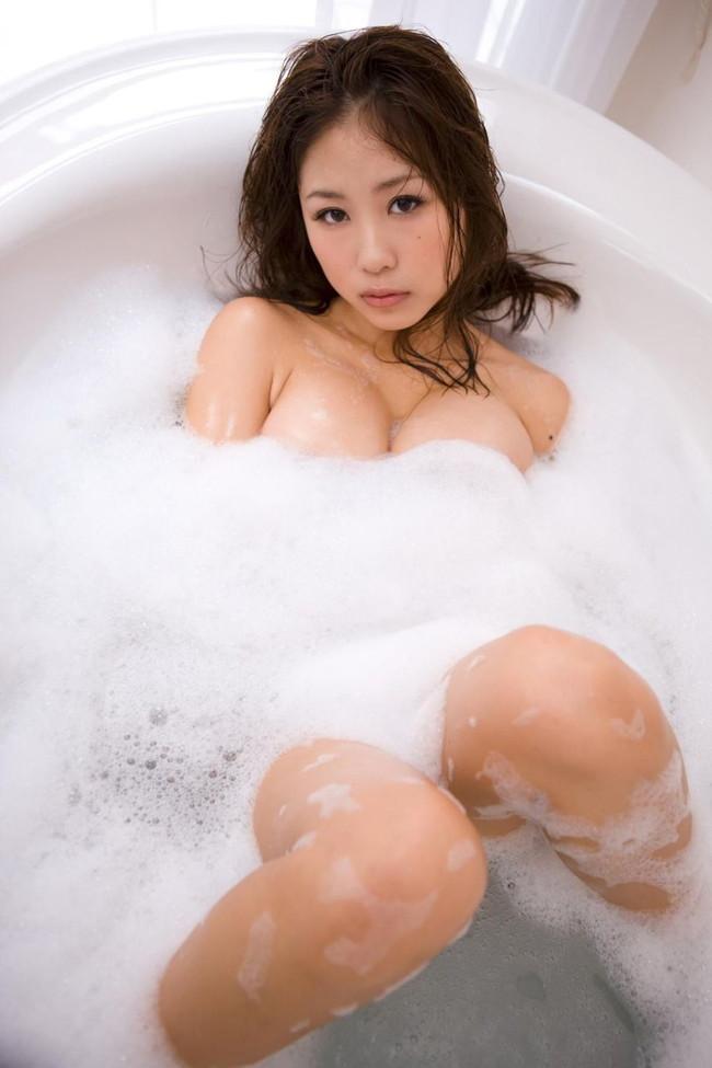 【ヌード画像】泡ブラ美少女エロすぎ抜いたw(31枚) 14