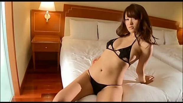 【ヌード画像】悩殺必至!美女たちの勝負下着画像(32枚) 11