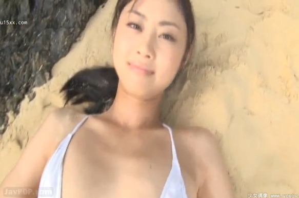 【ヌード画像】健康的な色気満載!美少女の水着・セミヌードがエロカワイイw(40枚) 40