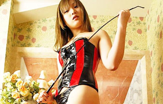 【ヌード画像】女王様ファッションの美女に罵ってもらいたいw(30枚) 01