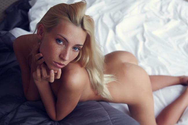 【ヌード画像】外国人美女の大胆な四つん這いポーズをご覧くださいw(31枚) 06