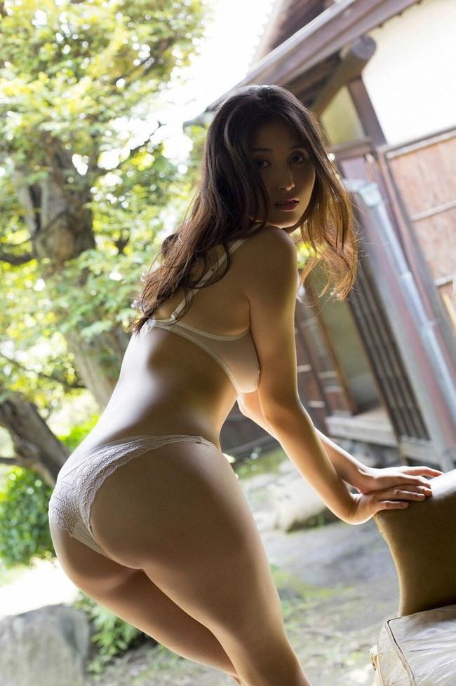 【ヌード画像】愛人にしたい女NO.1!橋本マナミのセミヌード画像(30枚) 30