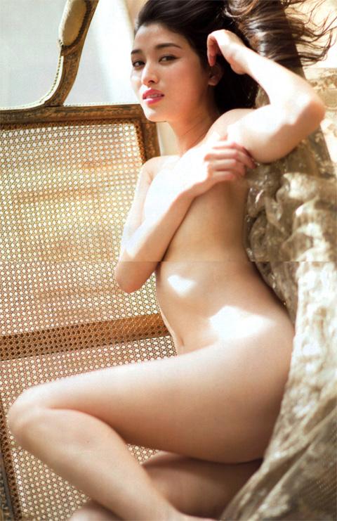 【ヌード画像】愛人にしたい女NO.1!橋本マナミのセミヌード画像(30枚) 08