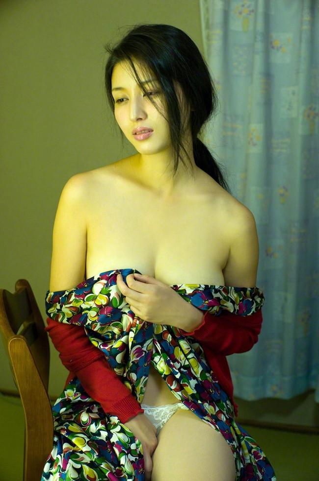 【ヌード画像】愛人にしたい女NO.1!橋本マナミのセミヌード画像(30枚) 20